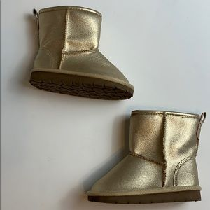 Baby Gap  Gold Boots NWOT Size 8